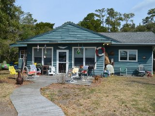 Bright 4 bedroom Pawleys Island House with A/C - Pawleys Island vacation rentals