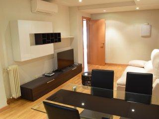 Encantador apartamento - Recién reformado en Pacífico - Madrid vacation rentals