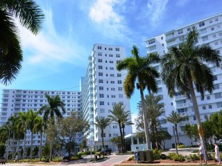 Water front South Beach One Bedroom Apt in Luxury Condo - Miami Beach vacation rentals