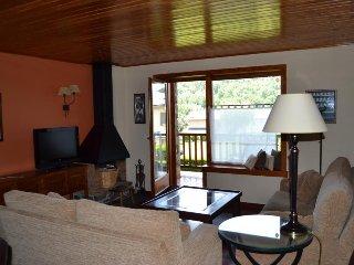Comfortable 3 bedroom Apartment in Osseja - Osseja vacation rentals