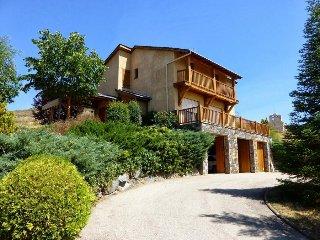 4 bedroom House with Television in Estavar - Estavar vacation rentals