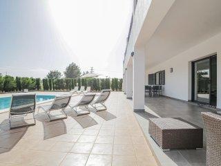 Grande villa moderne avec piscine à Santa Gertrudi - Santa Gertrudis vacation rentals
