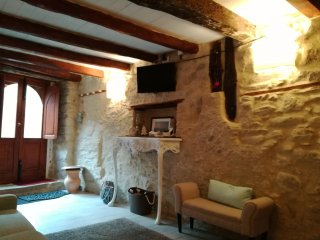 2 bedroom House with Satellite Or Cable TV in Montalbano Elicona - Montalbano Elicona vacation rentals
