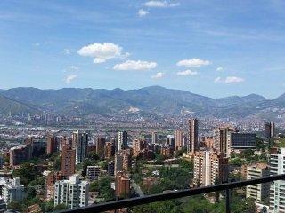 Coolest Building in Medellin★Apt 1803★Roof Top Infinity Pool★Balcony★AirCon - Medellin vacation rentals