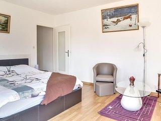 Apartment/Flat in Gaillard, at Amavi's place - Gaillard vacation rentals