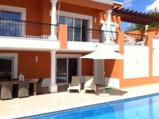 Baía do Sol - Luxurious 4 bedroom Villa with pool enjoying great views of Alvor & golfcourse. - Odiaxere vacation rentals