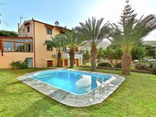 Villa Karteros - Nice holiday house, private pool, seaview, near golfcourse, nearby Heraklion - Karteros vacation rentals