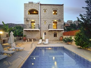 Villa Athena - Luxurious, aristocratic villa for 9 people with private pool - Melidoni vacation rentals
