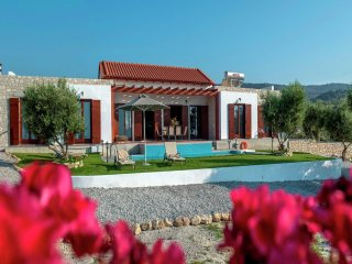 Villa Kyria - Beautiful new villa on 1500 m2 property, private pool, sea views, NW coast - Loutra vacation rentals