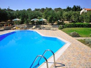 Villa Eleni en Manolis - 2 Villas with large private swimmingpool in 2 ha olive grove,1.5 km from the sea - Adele vacation rentals