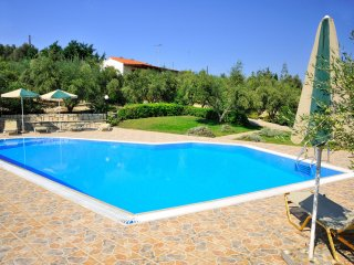 Villa Manolis - Villa with large swimmingpool in 2 hectare olive grove, 1.5 km from the sea - Adele vacation rentals