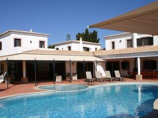 Mouraria - Magnificent Moorish style Villa with private pool & tennis court near Carvoeiro - Carvoeiro vacation rentals