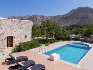 Villa Archodiko - Traditional beautiful Greek house, 10 pers. private pool - Chora Sfakion vacation rentals