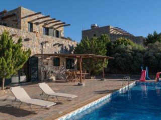 Villa Kimothoe - At beautiful unspoilt west coast, large villa, large pool, near Elafonissi beach - Keramoti vacation rentals