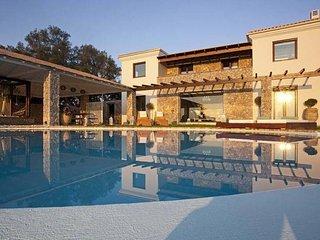 Villa Piedra - Very luxe villa with private swimming pool on the beautiful island of Corfu - Kanoni vacation rentals