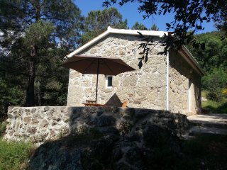 Cottage in Vale de Prazeres, at Rogerio's place - Castelo Novo vacation rentals