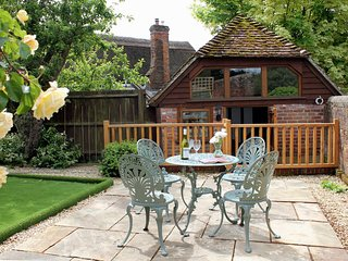 Perfect Cottage with Washing Machine and Television - Downton vacation rentals