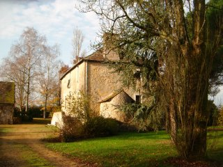 Comfortable 4 bedroom House in Fercé-sur-Sarthe with Deck - Fercé-sur-Sarthe vacation rentals