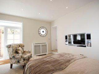 Beautiful 1 bedroom Condo in Waterbeach - Waterbeach vacation rentals