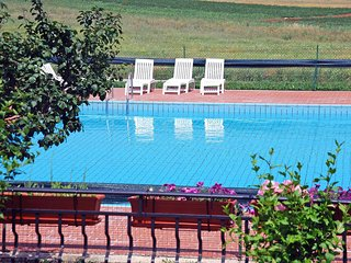 Nice Condo with Internet Access and Shared Outdoor Pool - Umag vacation rentals