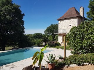 Nice Villa with Deck and Internet Access - Loubressac vacation rentals