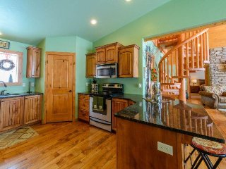 520 Vasel - 4 bdrms / 2.5 baths + loft - Sleeps 12 in beds allows upto 15 - Brian Head vacation rentals