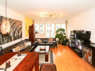 Bright 2 bedroom Condo in Hietzing with Internet Access - Hietzing vacation rentals