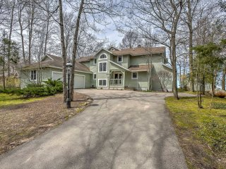 New! Gorgeous 5BR Charlevoix Home on Lake Michigan! - Eastport vacation rentals