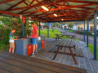 Parksetting 2 Bedroom Family Cabins - 200m from beach - Merimbula vacation rentals