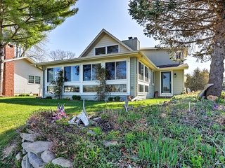 NEW! 2BR+Loft Brooklyn Cottage on Lake Columbia - Brooklyn vacation rentals