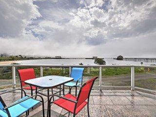 New! Bayside 3BR Garibaldi Townhome - Walk to Pier! - Garibaldi vacation rentals