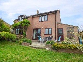 TANZEY HOLLOW, sleeps six, detached house, king-size, Preston, Ref 952891 - Osmington Mills vacation rentals