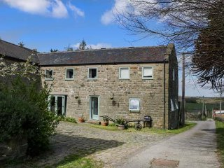 SPRINGWELL FARM HOLIDAY COTTAGE, farmhouse, romantic, pet friendly, near - Holymoorside vacation rentals
