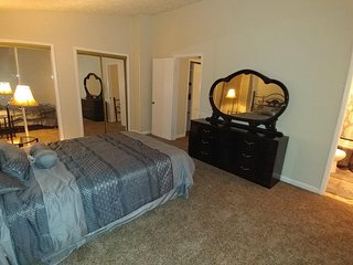 Entire house - corporate housing, vacation, close to the metro and 15min to DC - Cheverly vacation rentals