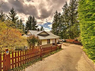 Centrally Located 4 bedroom Vancouver Island Vacation Home - Nanoose Bay vacation rentals