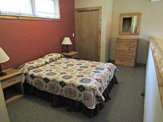 Double JJ Resort - 3 Bedroom Log Home - Rothbury vacation rentals