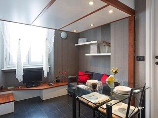 EASY APARTMENT MILANO - MONOLOCALE VERDI - Milan vacation rentals