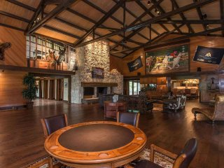 A well appointed Lodge Retreat, Caplin Ranch is a Place to Make Memories! - Athens vacation rentals