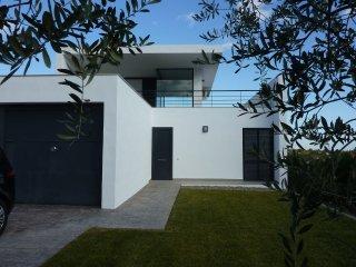 Villa el Futuro - Modern villa with private pool and stunning views of nature - Pratdip vacation rentals