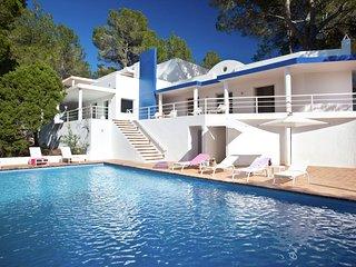 Casa Azul - Spacious, modern villa near Sant Agusti - San Agusti des Vedra vacation rentals