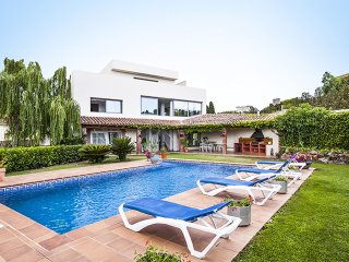 Garriguella - Villa for 12 people with private pool in Garriguella - Garriguella vacation rentals