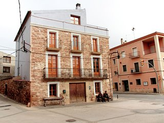 Cal Capdevila - Detached country house on Pira town square. - Pira vacation rentals