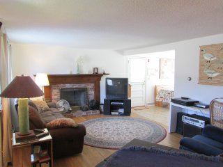 Sunny House a few minutes walk to Lewis Bay beach - West Yarmouth vacation rentals