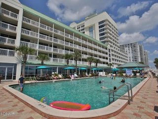 Comfortable Condo with Internet Access and A/C - Ormond Beach vacation rentals