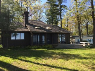 Cozy House with Deck and DVD Player - Au Gres vacation rentals