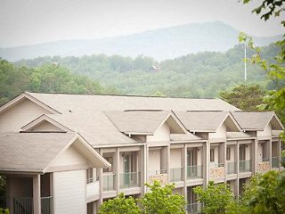 Lovely Pigeon Forge 5-Star Resort - Pigeon Forge vacation rentals