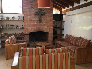 4 bedroom House with Internet Access in Valle de Bravo - Valle de Bravo vacation rentals