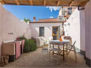 Allodola è una casa antica ristrutturata nel 2014 - Milis vacation rentals