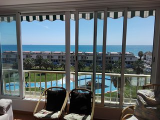 Refurbished apartment with amazing sea view, next to beach - Puig vacation rentals