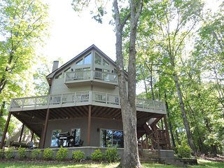 Cane Creek Cottage. 13 miles to Clemson. Near all mountain activities - West Union vacation rentals